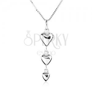 Náhrdelník ze stříbra 925, přívěsek ve tvaru tří zmenšujících se srdcí