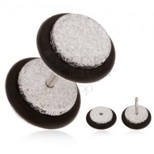Blyštivý fake plug do ucha z akrylu, stříbrný odstín, černé gumičky