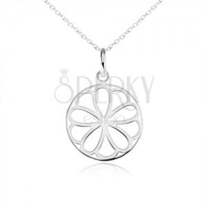 Stříbrný náhrdelník 925, kruhový přívěsek - ozdobně vyřezávaný květ