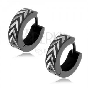 """Ocelové náušnice černé barvy, vzor obráceného """"V"""" ve stříbrném odstínu"""