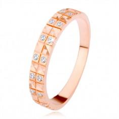 Stříbrný 925 prsten v měděném odstínu, diamantový řez, čiré zirkony