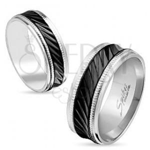 Ocelový prsten stříbrné barvy, černý pruh se šikmými zářezy, vroubky, 8 mm