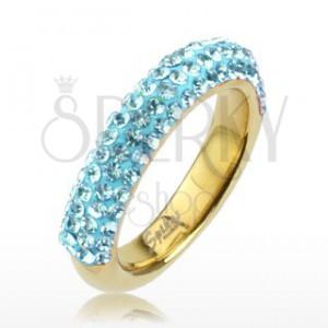 Prsten z oceli zlaté barvy, třpytivé linie světle modrých zirkonů