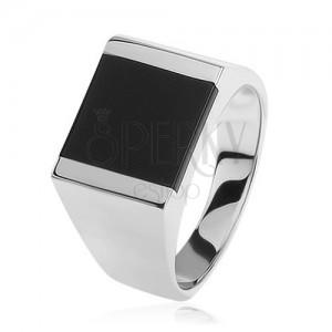 Stříbrný prsten 925, zrcadlově lesklá ramena, obdélník s černou glazurou