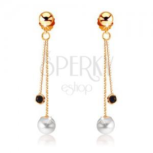 Zlaté náušnice 375 - kulatý tmavě modrý safír a bílá perla na řetízcích
