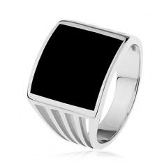 Stříbrný prsten 925, černý glazovaný čtverec, výřezy na ramenech