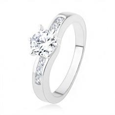 Stříbrný prsten 925, kulatý čirý zirkon, zdobená ramena prstenu SP39.06