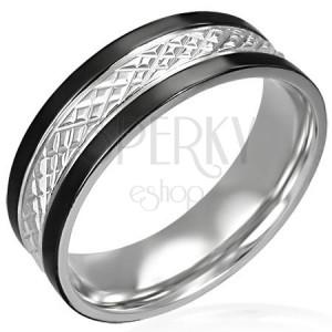 Ocelový prsten s černými pásy po okrajích