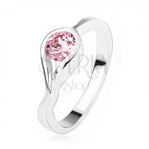 Stříbrný zásnubní prsten 925, kulatý růžový zirkon, zatočená ramena