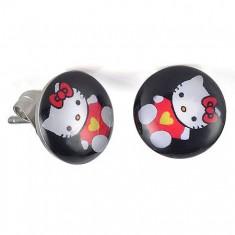 Puzetové náušnice z oceli, glazura, kočička Hello Kitty na černém pozadí SP47.20