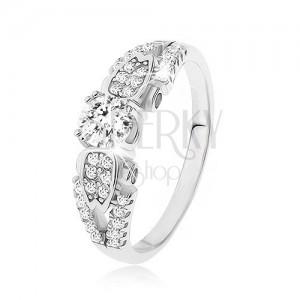 Stříbrný prsten 925, čiré kamínky, rozdvojená převázaná ramena, boční zdobení