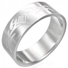 Lesklý ocelový prsten s matným symbolem tribal