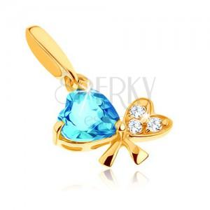 Přívěsek ze žlutého 9K zlata - modrý topas, mašle ze dvou srdcí, čiré zirkony