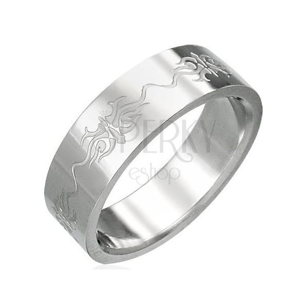 Prsten z chirurgické oceli s ornamenty