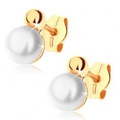 Náušnice ze žlutého 9K zlata - lesklá polovina kuličky, bílá perla