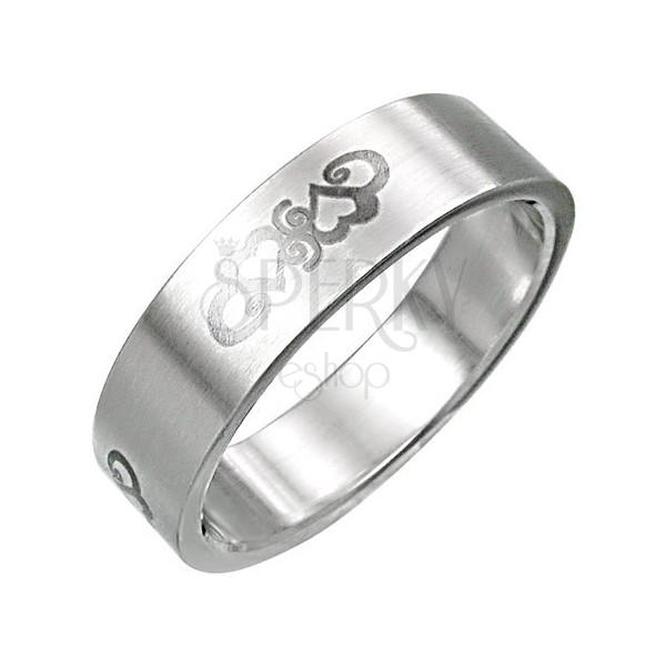Ocelový prsten se srdíčkovým ornamentnem