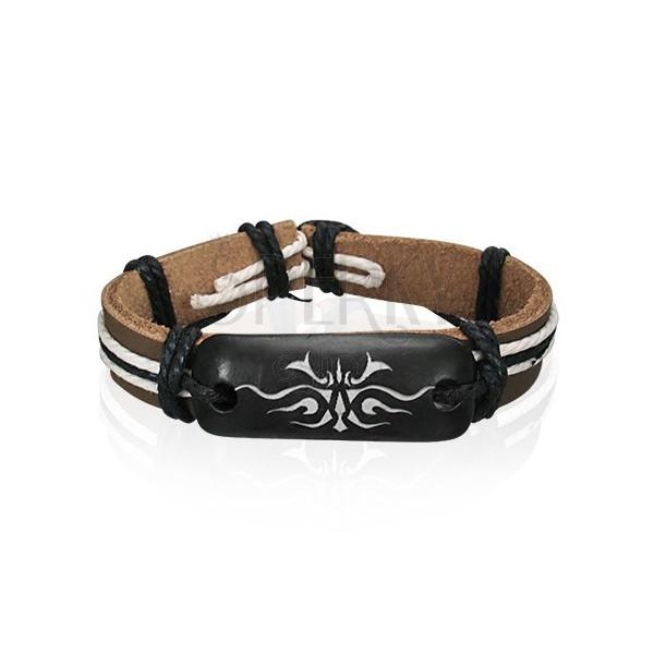 Hnědý náramek z kůže se symbolem Tribal