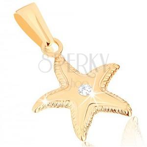 Zlatý přívěsek 375 - blyštivá mořská hvězdice, vroubkovaný okraj, čirý zirkonek