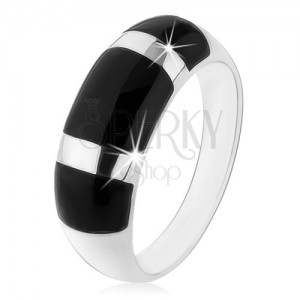Prsten ze stříbra 925, vypouklý zaoblený povrch, černé onyxové obdélníky