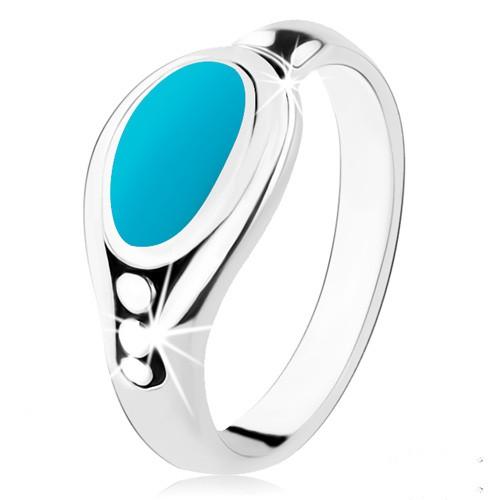 Levně Stříbrný prsten 925, tyrkysový ovál, lesklý okraj, tři kuličky - Velikost: 48