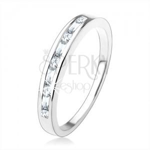 Zásnubní prsten ze stříbra 925, drobné čiré zirkony vsazené v úzkém výřezu