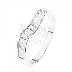 Blýskavý stříbrný prsten 925, zvlněná linie, čiré zirkonové lichoběžníky