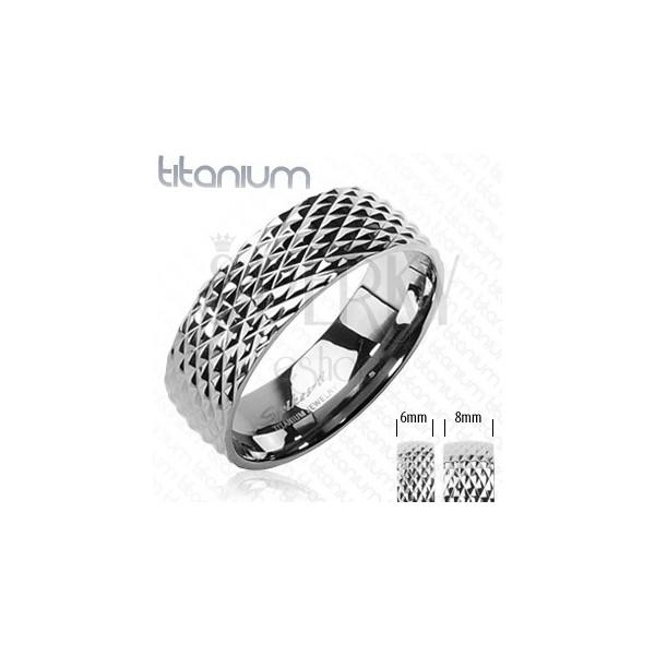 Titanový snubní prsten vzor hadí kůže