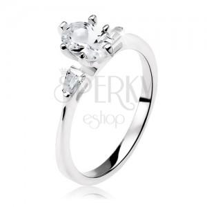 Zásnubní prsten ze stříbra 925, čirý oválný zirkon, malé lichoběžníky