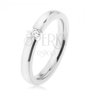 Lesklý prsten z chirurgické oceli, hladký vypouklý povrch, čirý zirkon