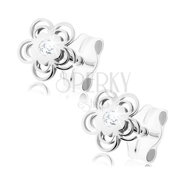 Náušnice z bílého 9K zlata - lesklý kvítek, zdvojené obrysy lupínků, zirkon