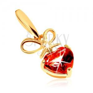 Přívěsek ve žlutém 14K zlatě - červené granátové srdíčko s uvázanou mašlí
