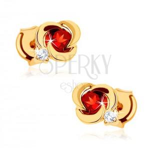 Zlaté náušnice 585 - květ s hladkými okvětními lístky a kulatým červeným granátem