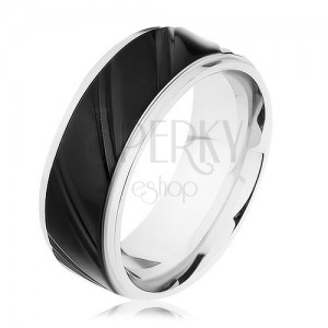 Ocelový prsten stříbrné barvy s černým pásem, šikmé zářezy