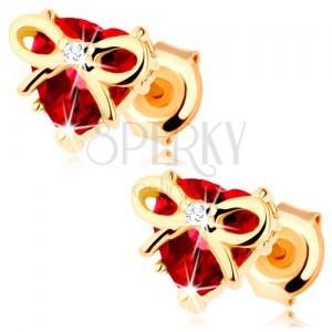 Zlaté náušnice 375 - srdce z červeného granátu s úzkou uvázanou stužkou
