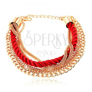 Náramek, pletená červená šňůrka, řetízky zlaté barvy, karabinka