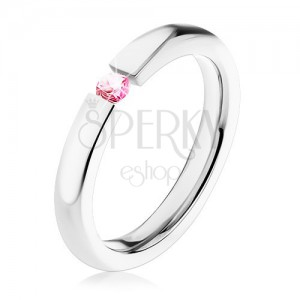 Prsten z chirurgické oceli, zaoblený povrch, růžový zirkon, 3 mm