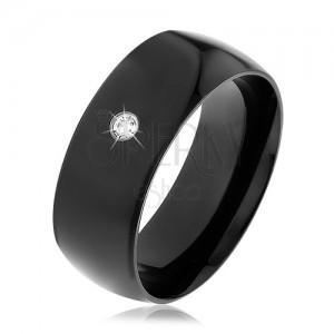 Černý ocelový prsten, lesklý vypouklý povrch, kulatý čirý zirkon