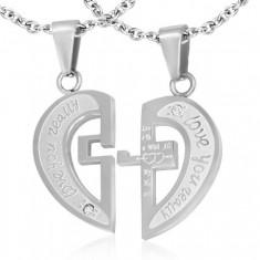 Ocelový dvojpřívěsek stříbrné barvy, rozpůlené srdce, nápisy, kříž, zirkony