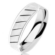 Prsten ze stříbra 925, vroubkovaný povrch, diagonální lesklé zářezy
