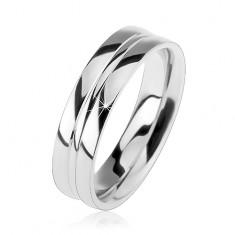 Stříbrný prsten 925, lesklý hladký povrch, dva tenké zářezy uprostřed
