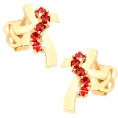 Náušnice ze žlutého 14K zlata - kříž se zvlněnými rameny, červené zirkony