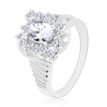 Prsten ve stříbrné barvě, vroubkovaná ramena, zářivé broušené zirkony