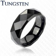 Černý prsten z wolframu s lesklým broušeným povrchem, 8 mm