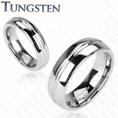 Lesklý wolframový prsten stříbrné barvy, vyrytý středový pruh, 6 mm