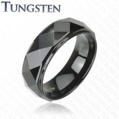 Černý prsten z wolframu, vyvýšený pás s lesklým broušeným povrchem, 8 mm
