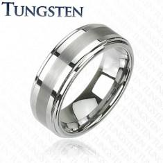 Prsten z wolframu v tmavě šedém lesklém odstínu, broušený středový pás, 8 mm