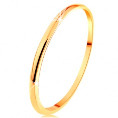Tenký prsten ve žlutém 14K zlatě, hladký a mírně vypouklý povrch