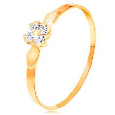 Prsten ve žlutém 14K zlatě - květ ze čtyř čirých zirkonů, lesklé lístky