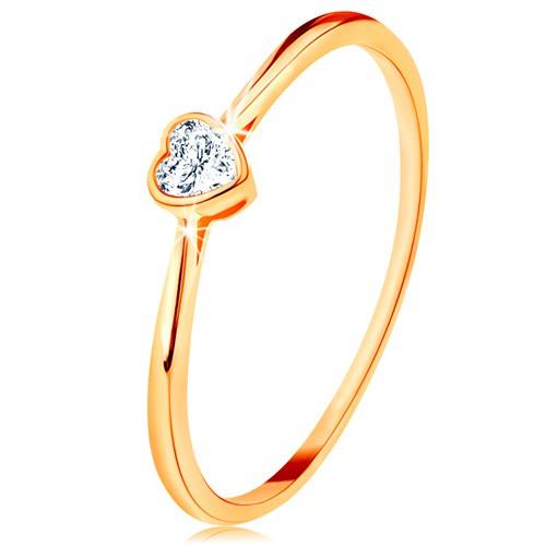 Levně Lesklý zlatý prsten 585 - čiré zirkonové srdíčko s lesklým lemem - Velikost: 51