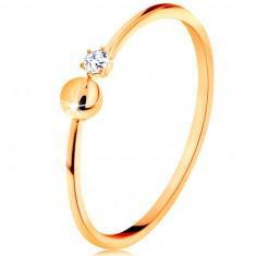 Prsten ve žlutém 14K zlatě - lesklá ramena ukončená kuličkou a čirým zirkonem